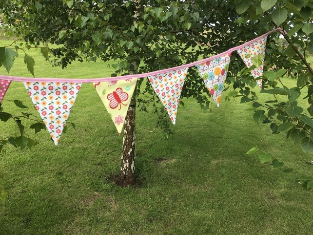 Carrick-on-Suir Library: Bug Bunting Workshop