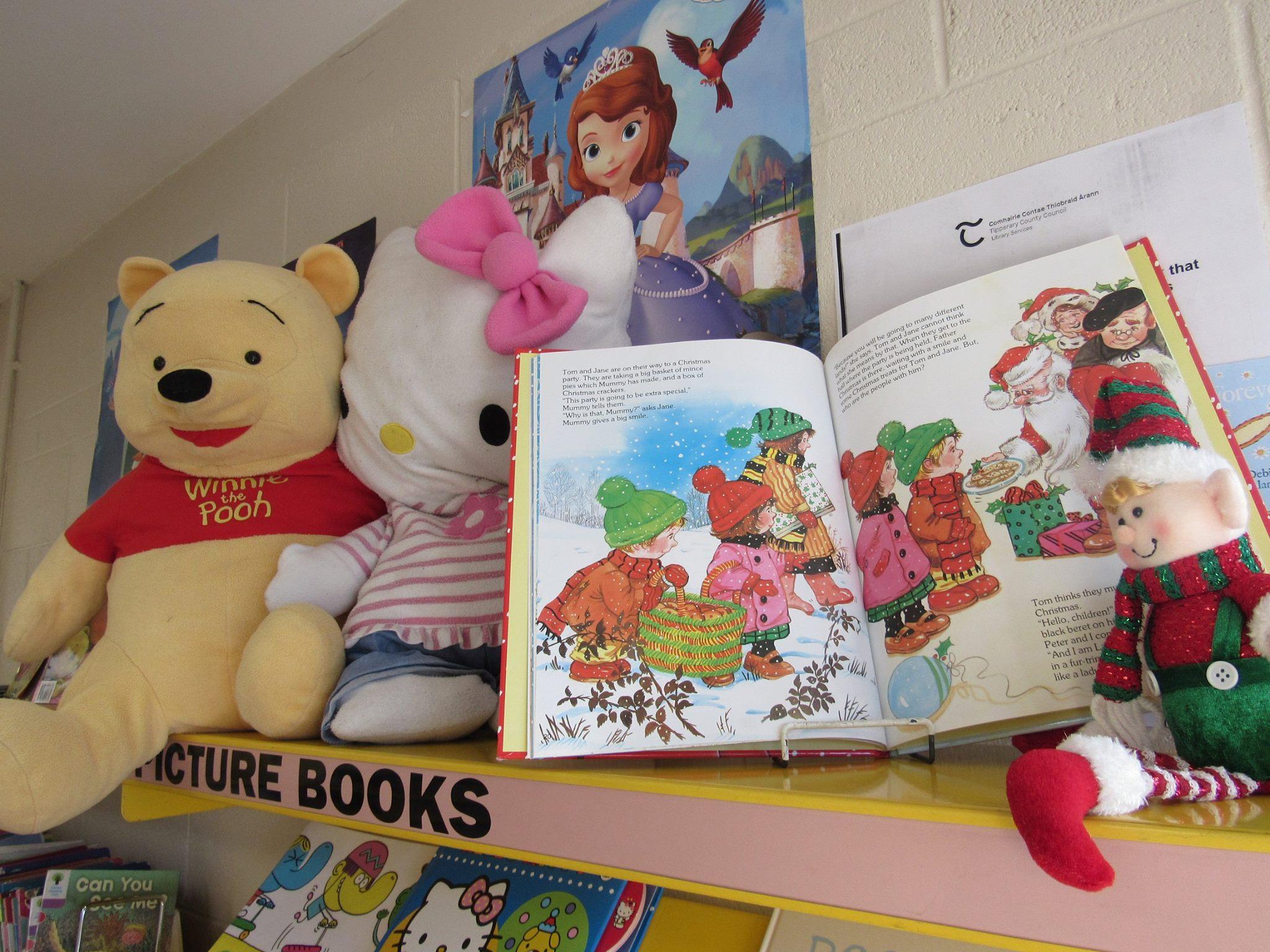 Elf on the Shelf returns to Nenagh library