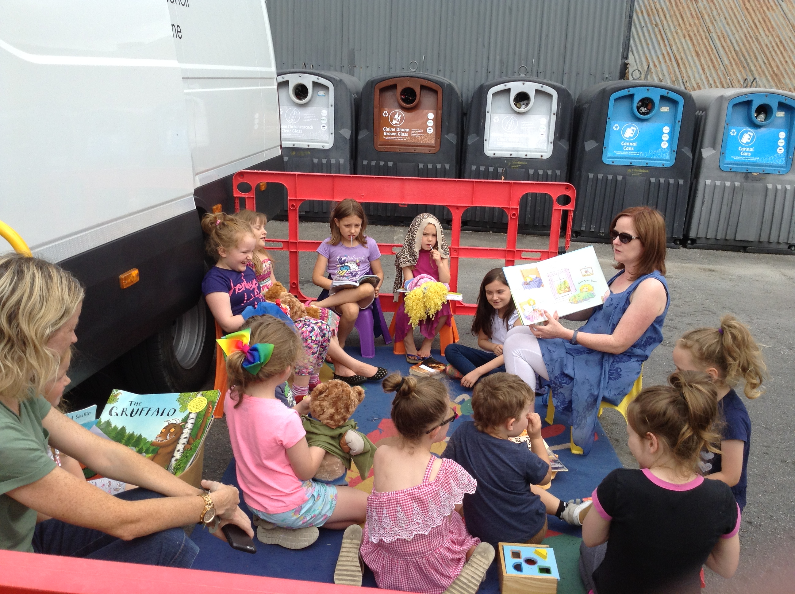 Children's Summer Book Bus – A Big Hit again this summer