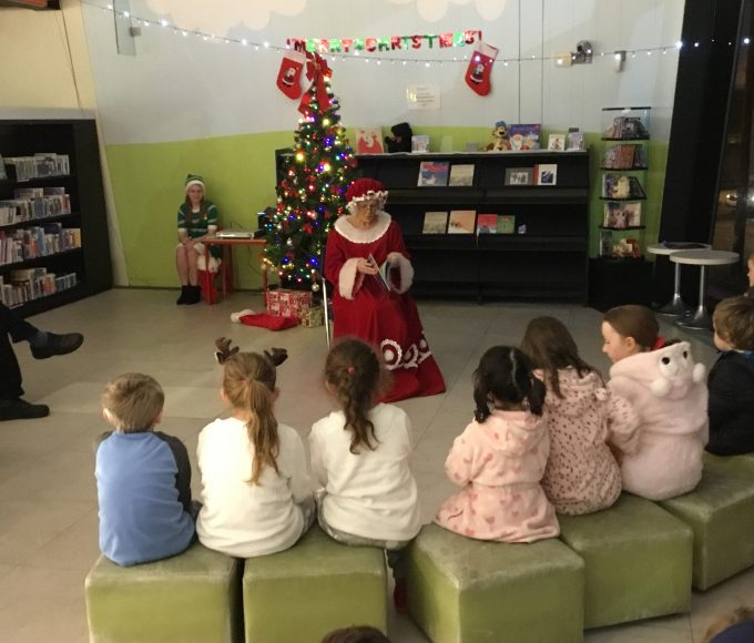 Christmas Story-telling Mrs Claus In Thurles Library
