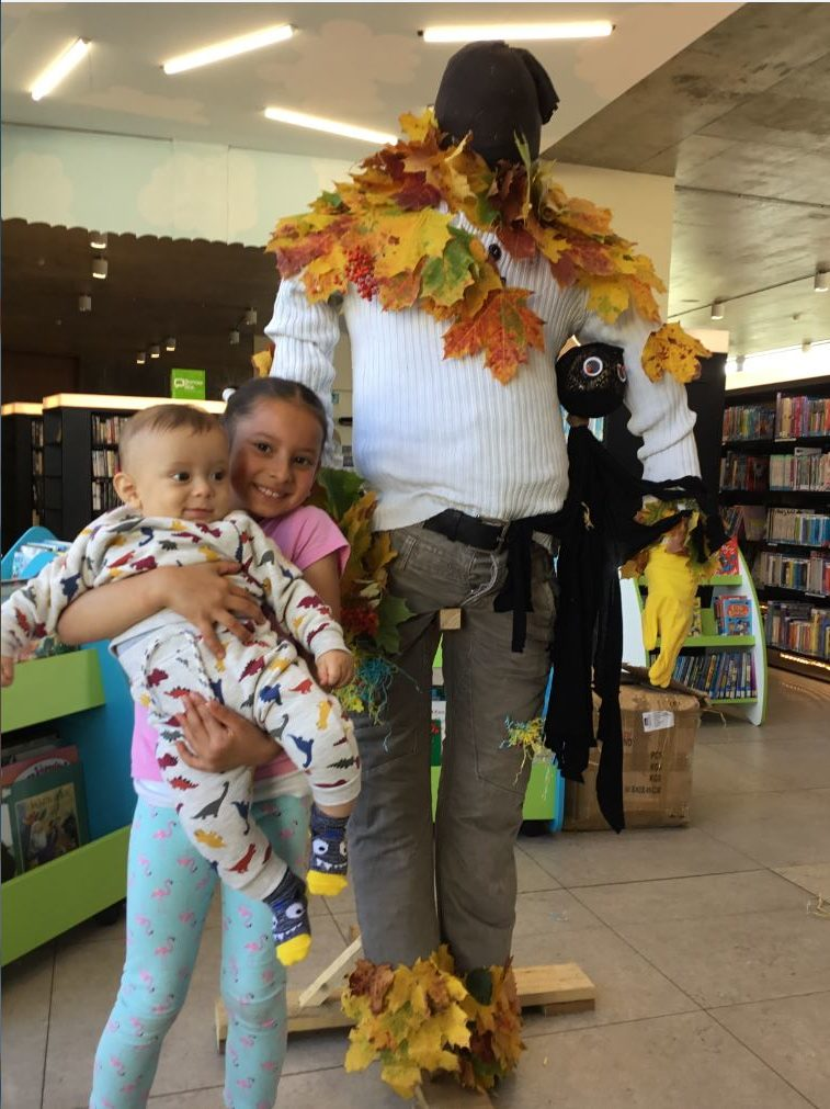 Scarecrow Workshop Fun In Thurles Library !