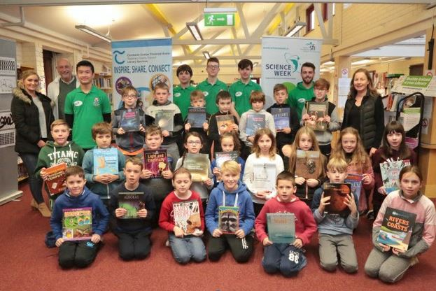 Carrick Library: 'Professor Pat' Doing Experiments With Local Primary Schools
