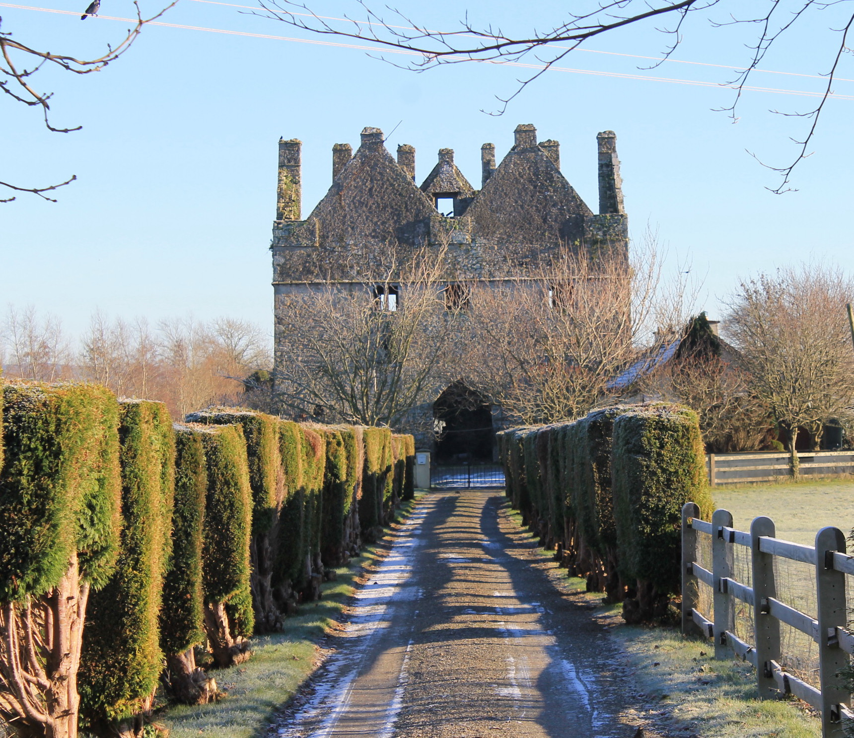 Around Our Town Ep. 19 – Tikincor Castle & Sir Thomas' Bridge